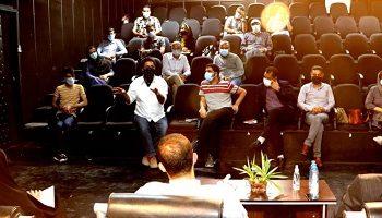 نشست جمعی از منتخبین شورای شهربندرعباس با هنرمندان هنرهای نمایشی